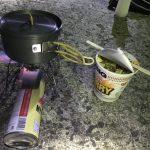 日清カップヌードルはSOTO(外)で食べる事が美味しさの秘訣。コンパクトガスコンロの勧め。
